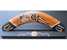 Boomerang. With Stand. 30cm. Traditional art.